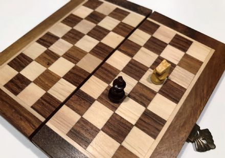Sheesham Rosewood Hand Crafted Mini Magnetic Travel Chess Set Board & Pieces